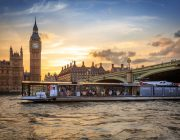 bateaux-london-private-dining-image-symphony-big-ben-in-background2