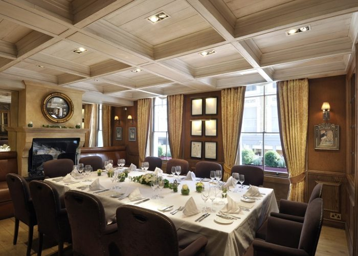 Luxury private dining rooms at clos maggiore for Private dining room 90277
