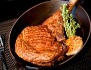 JW_Steakhouse_-_Food_Image_-_Tomahawk_Steak