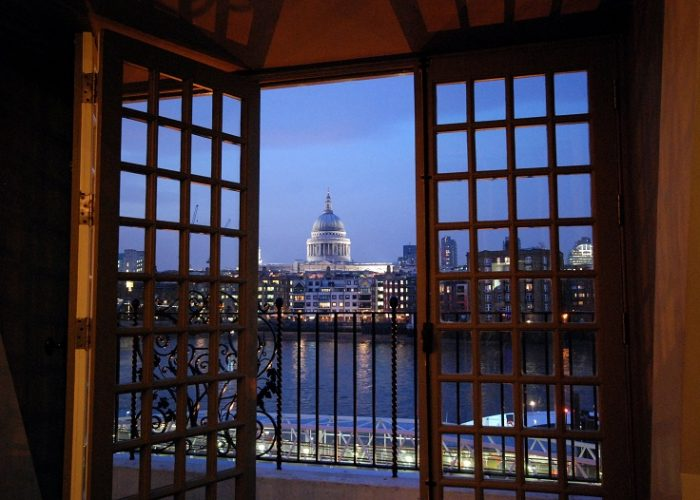 Luxury private dining rooms at swan at shakespeare s globe for The balcony restaurant