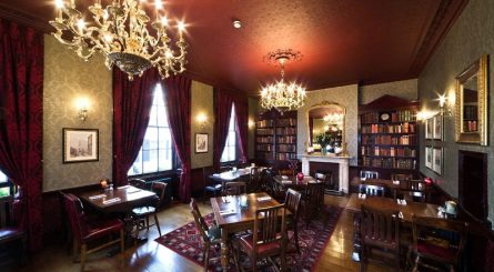 The_Star_Tavern_-_Pub_Internal_-_Dining_Room