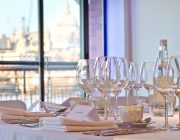 oxo2-wedding-reception-iconic-city-skyline-in-background