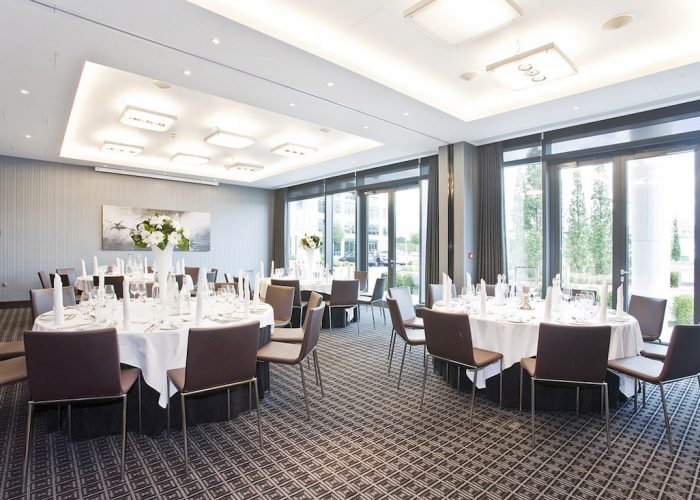 Luxury private dining rooms at brooklands hotel for Best private dining rooms uk