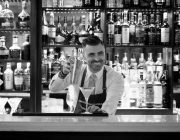 london-steakhouse-company-city-cocktail-barman-image