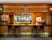 Royal Thames Yacht Club Private Dining Bar Image