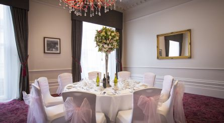 The Grosvenor Hotel The Viceroy Suite Private Dining Image Round Table Set For 10 Wedding Guests 1