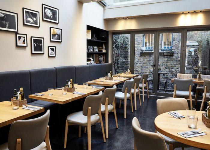 Obica%CC%80-South-Kensington-Private-Dining-Room-Image4-700x500.jpg